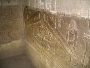 Dendera_light_003