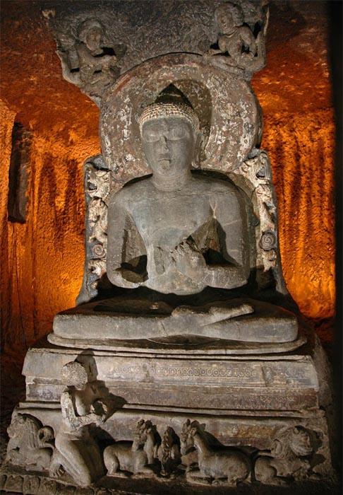Cave 11 Buddha